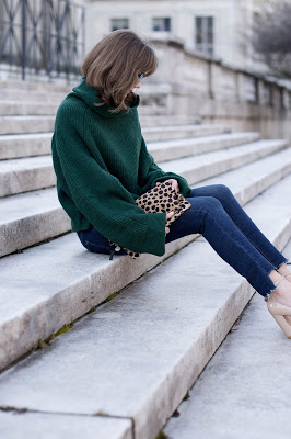 genuine-people-oversized-green-sweater-step-hem-jeans-cropped-jeans-and-sweater-steve-madden-nude-ankle-strap-block-heels-my-winter-unifo