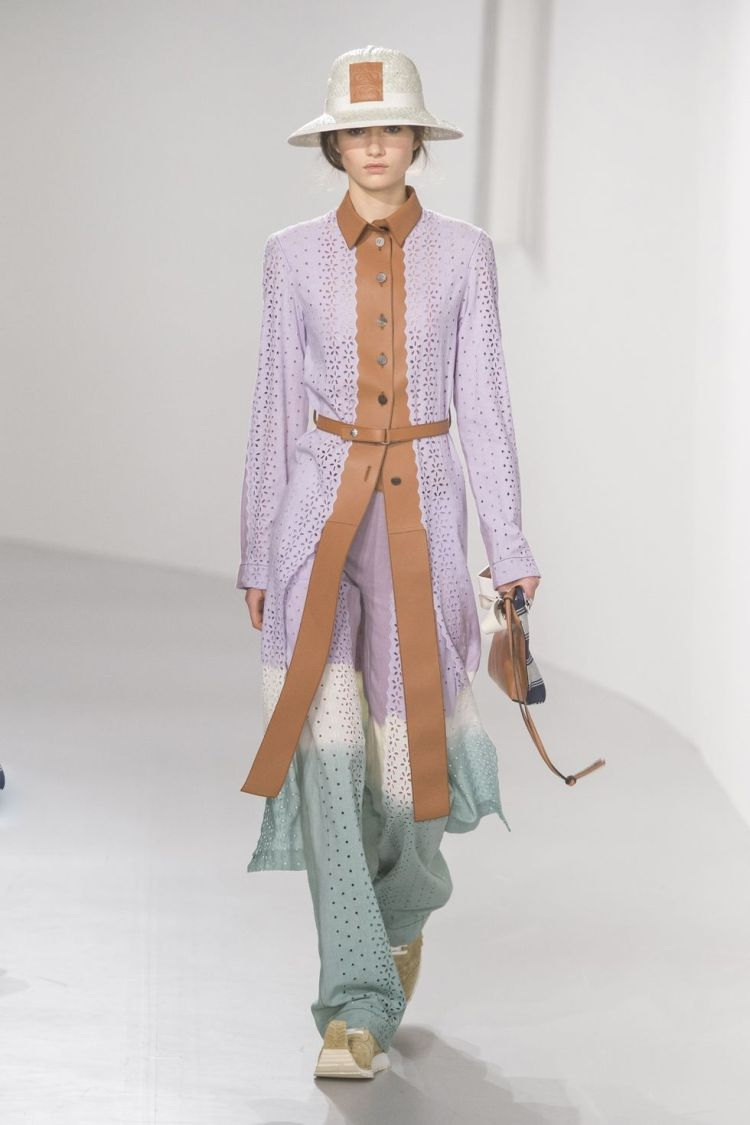hbz-nyfw-ss2018-trends-lavender-05-loewe-rs18-0299-1509389875