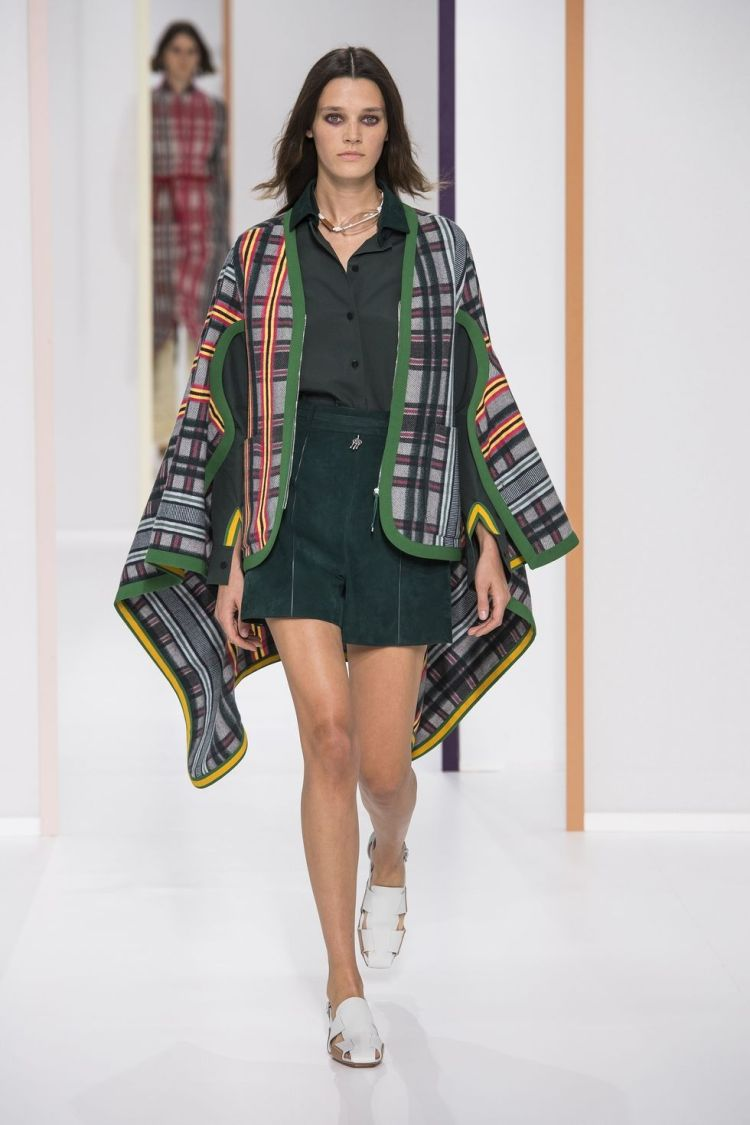 hbz-nyfw-ss2018-trends-mad-for-plaid-07-hermes-rs18-0015-1509390186