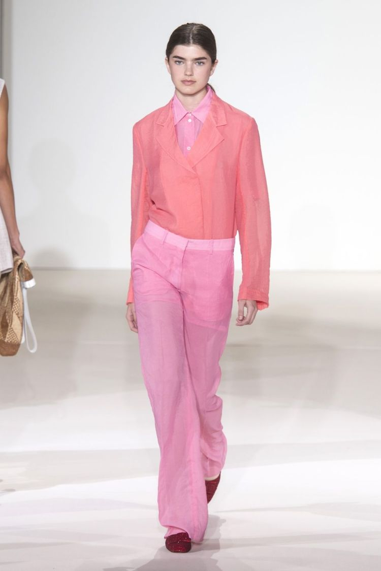 hbz-nyfw-ss2018-trends-think-pink-08-victoria-beckham-rs18-0144-1509391348