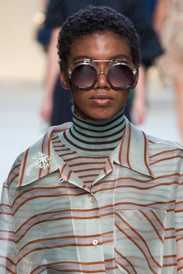 fendi-spring-summer-2018-collection-latest-trends-round-sunglasses.jpg