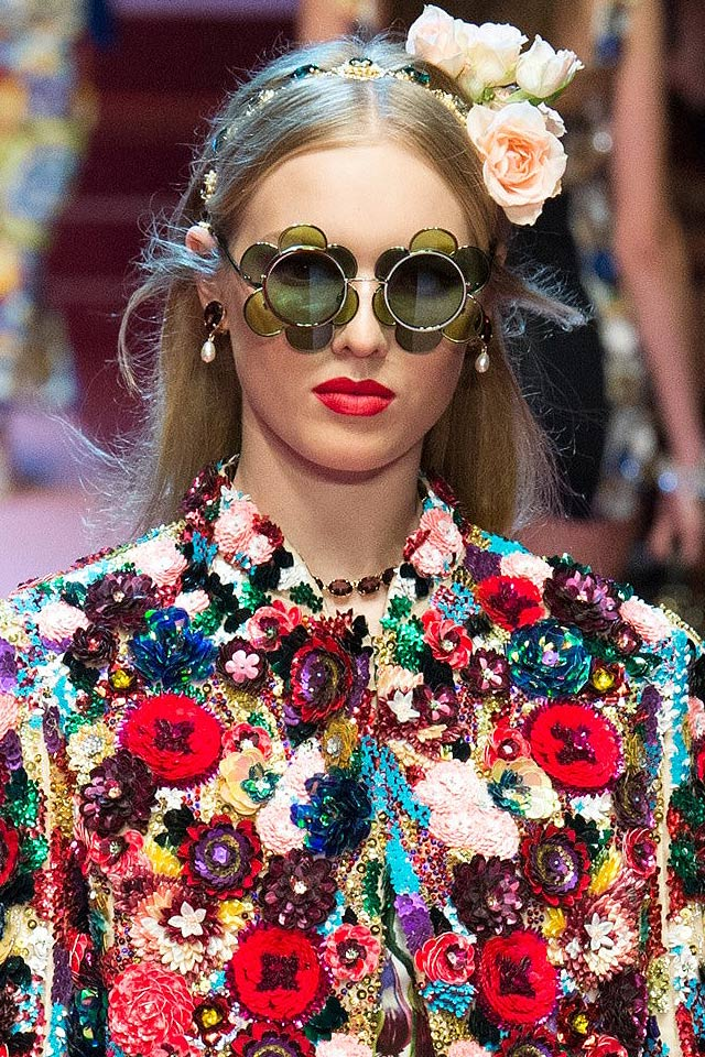 novelty-shaped-sunglasses-grenn-doce-gabbana-spring-2018.jpg