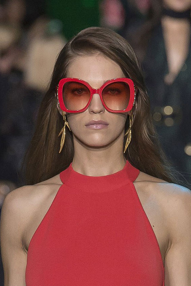 sunglasses-trend-analysis-elie-saab-2018-latest-trends-red-oversized-ombre.jpg