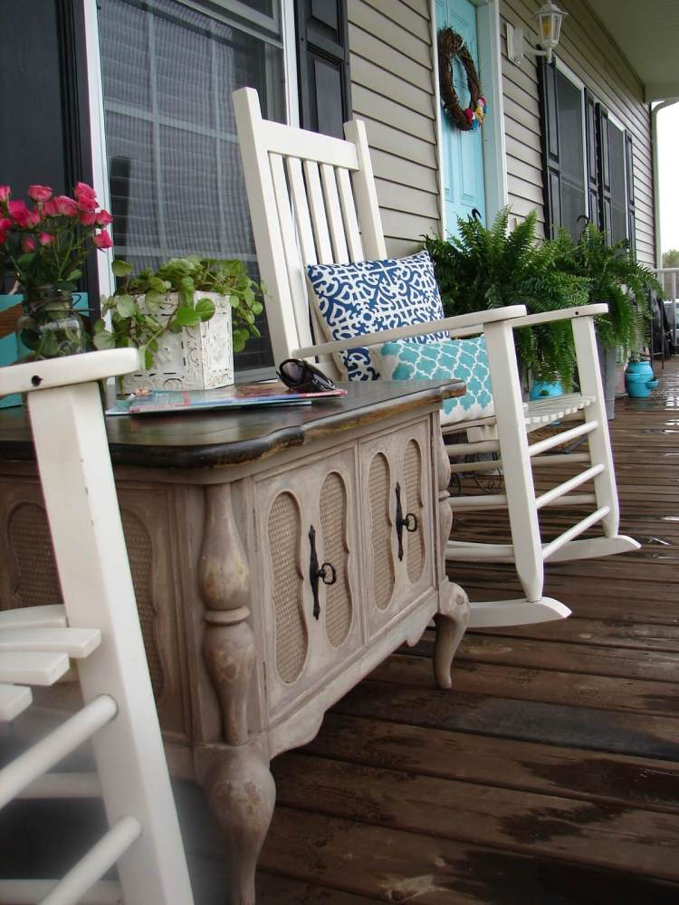 34-rustic-spring-porch-decor-ideas-homebnc.jpg