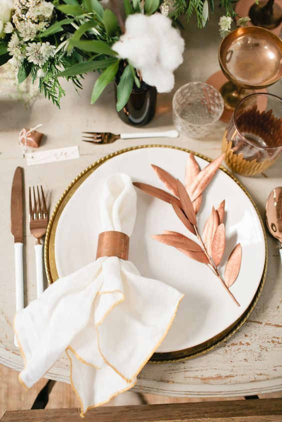 17-copper-glasses-tableware-and-accessories-are-right-what-you-need-for-a-festive-table