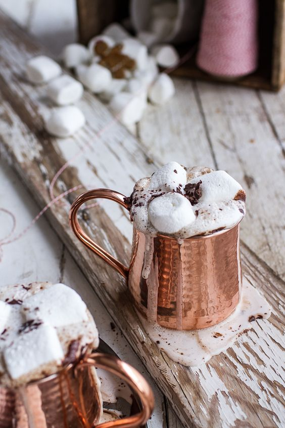 18-copper-mugs-with-hot-chocolate-and-marshmallows.jpg