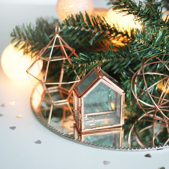 22-copper-decorations-of-wire-and-with-glass.jpg