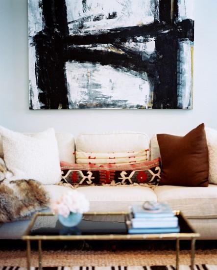 neutral-sofa-layering-2-443x550